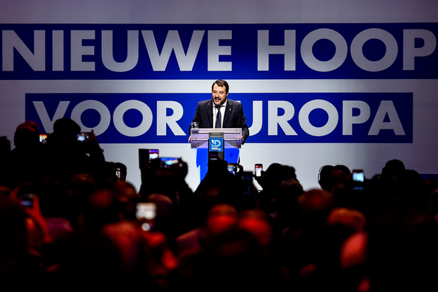 Salvini accueilli en rockstar par le Vlaams Belang à Anvers