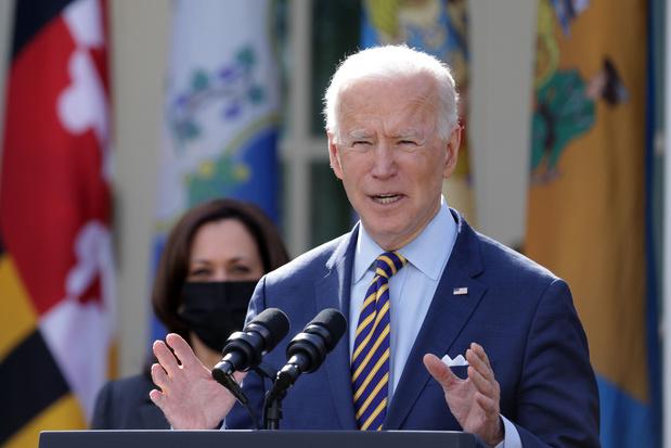 Joe Biden en Kamala Harris gaan op zegetour met populair maar betwist coronahulppakket