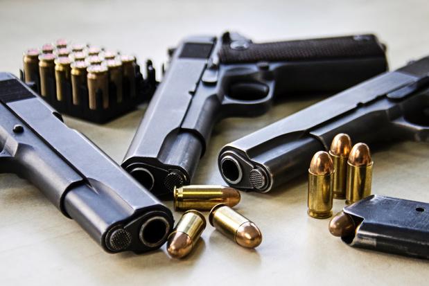 Trafic d'armes: une cinquantaine d'arrestations et plus de 630 armes saisies