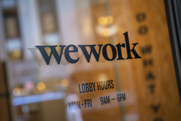 Sous pression à l'approche de l'entrée en Bourse, le patron de WeWork se place en retrait