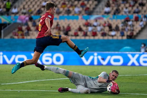Spanje morst met kansen en komt tegen stug Zweden niet verder dan 0-0