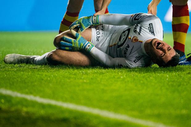 KV Mechelen moet doelman Thoelen voor rest seizoen missen met ernstig kruisbandletsel