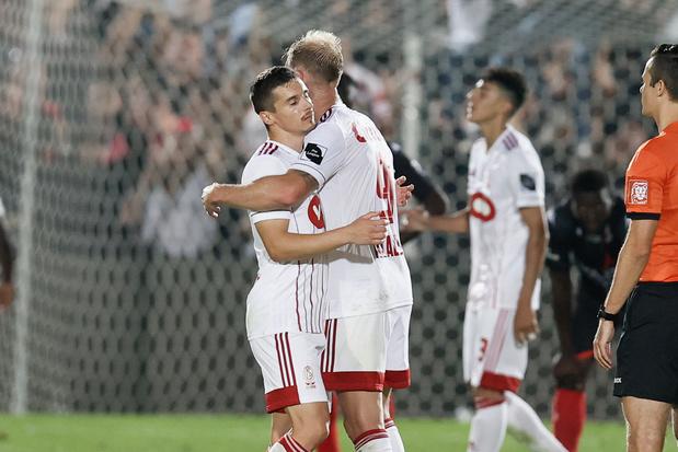 Le Standard remporte le derby et se retrouve 2e à un point de Bruges