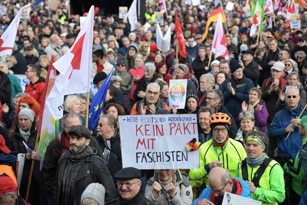 Duizenden betogers in Erfurt tegen extreemrechts