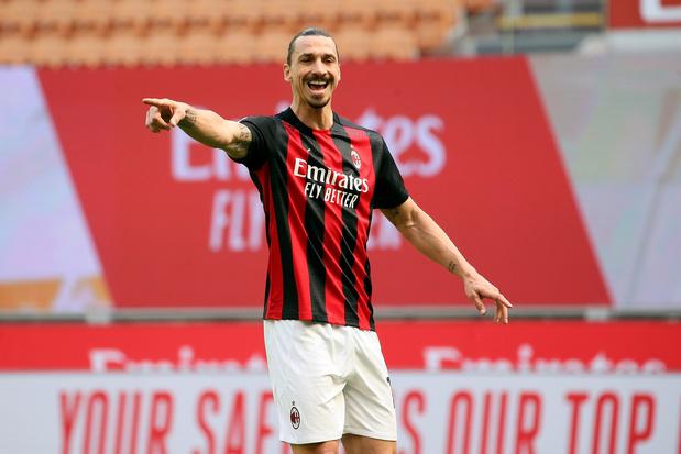 Zlatan Ibrahimovic denkt nog niet aan stoppen: Zweed blijft jaar langer bij AC Milan