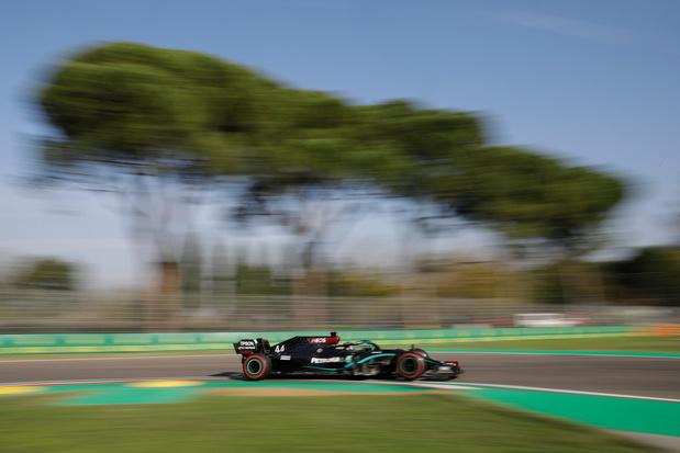 Valtteri Bottas signe sa 15e pole et s'élancera en tête devant Lewis Hamilton