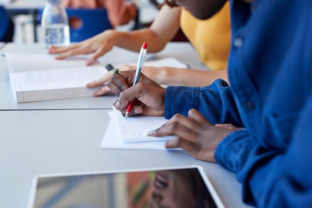 """Les acteurs de l'enseignement flamand """"positifs"""" sur le retour des élèves à l'école"""