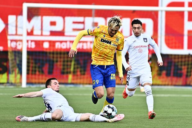 Yuma Suzuki (STVV) weigerde voorstellen van Anderlecht en Club Brugge: 'Hij heeft alles afgeblokt'