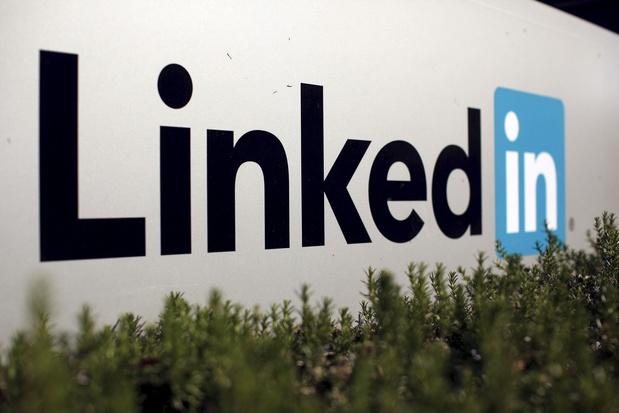 LinkedIn accusée de visionner l'iPhone en catimini