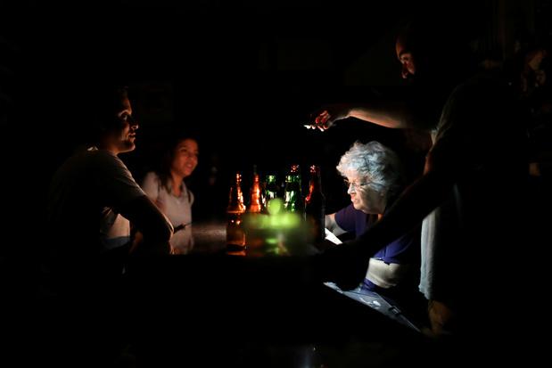 """Nouveau blackout au Venezuela, le gouvernement dénonce une """"attaque électromagnétique"""""""