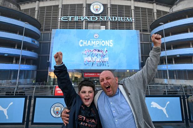 Manchester City kampioen nadat rivaal Man United onderuit gaat tegen Leicester