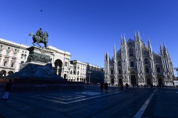 """Covid: """"à contre-courant"""", l'Italie assouplit des restrictions dans certaines régions"""