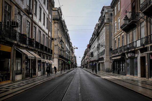Le Portugal rouvre ses premiers commerces après un mois et demi