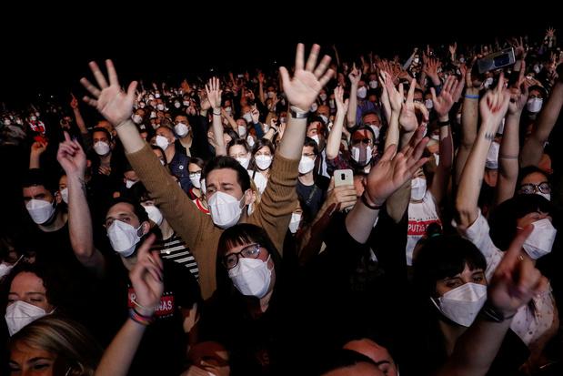 """""""Aucun signe"""" de contagion après le concert-test de 5.000 personnes à Barcelone"""