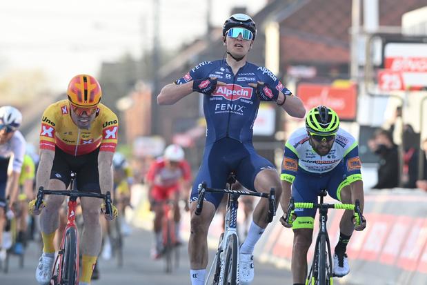 Tim Merlier sprint naar zege in GP Le Samyn