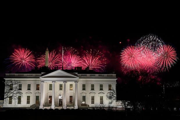 Stars, feux d'artifices et chansons pour Biden, mais pas de public
