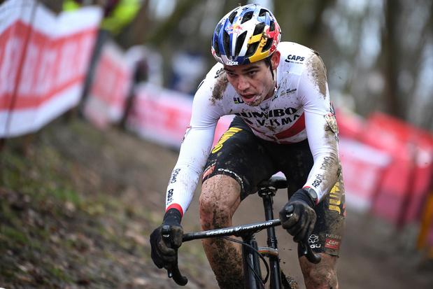 Cyclo-cross: Van Aert ou Van der Poel, qui d'autre pour le titre mondial ?