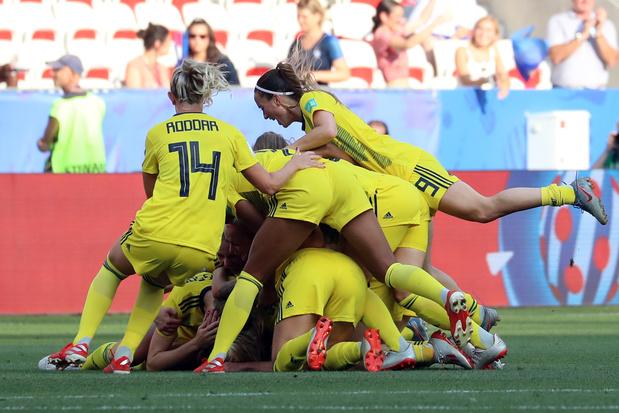 Zweden verovert brons op WK Vrouwen met winst op Engeland