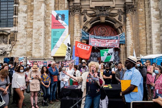 Sans-papiers: le PS et Ecolo veulent une action rapide