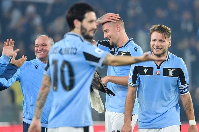 La Lazio veut y croire, choc à huis clos Juventus-Inter