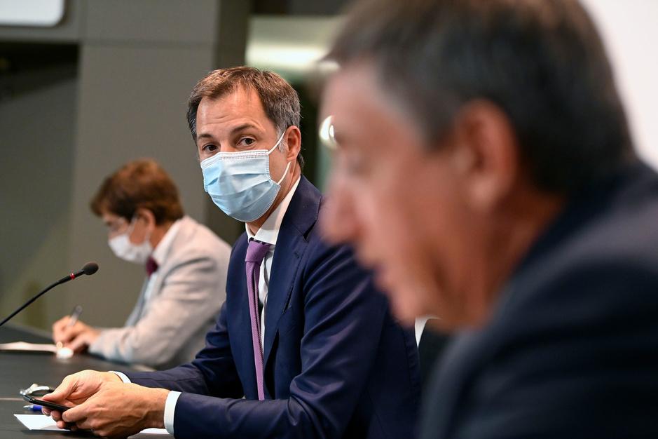 Wat het Overlegcomité besliste: de grote versoepeling op 1 september, verplichte vaccinatie voor zorgpersoneel