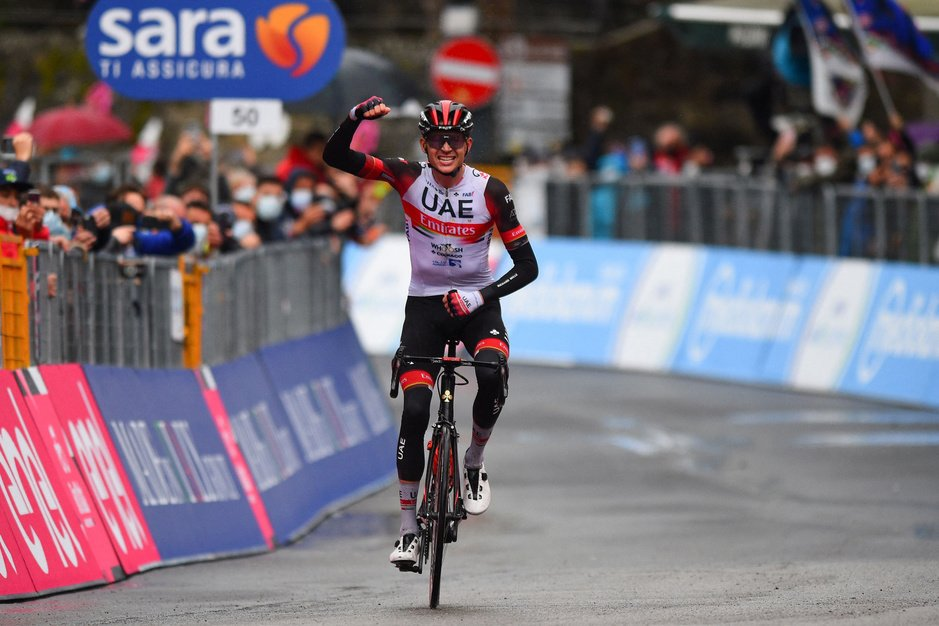 Giro: Dombrowski wint vierde rit, Evenepoel verliest 11 seconden