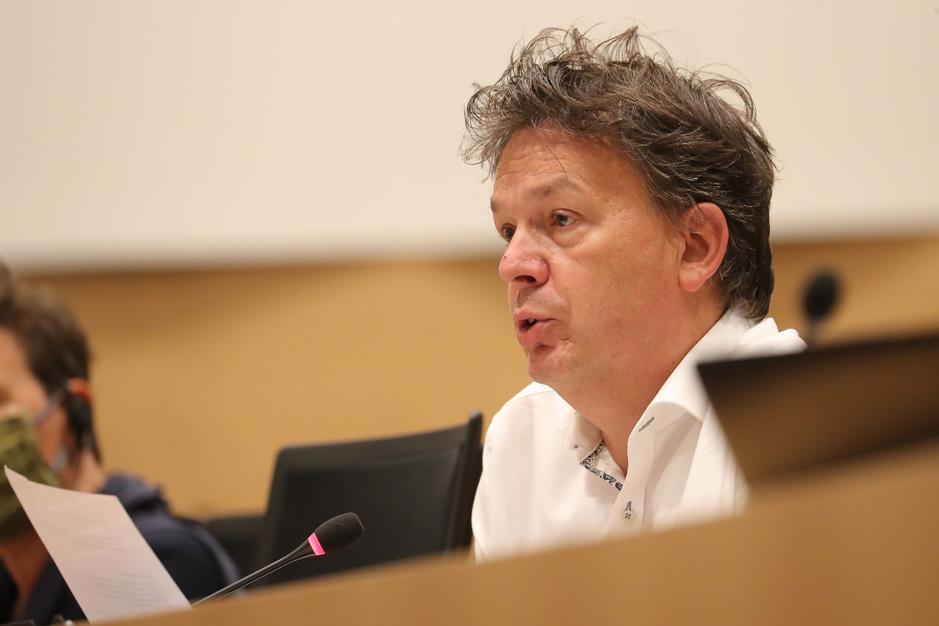 Stefaan Van Hecke (Groen): 'Laat ethische hackers los op elektronische identiteitskaarten'