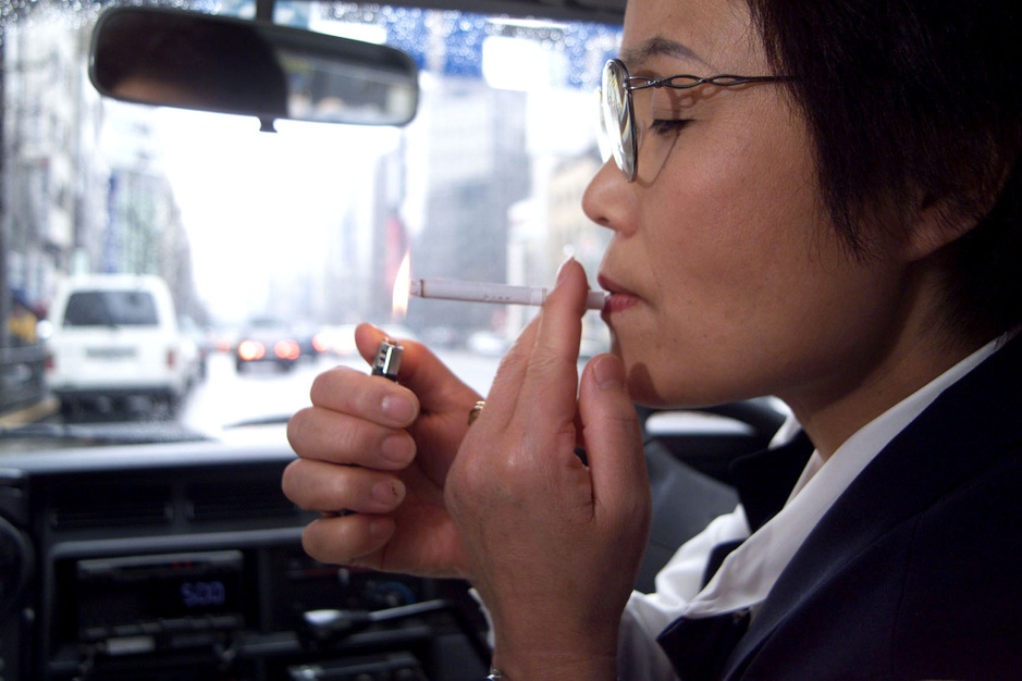 'Een pakje sigaretten zou 23 euro moeten kosten'