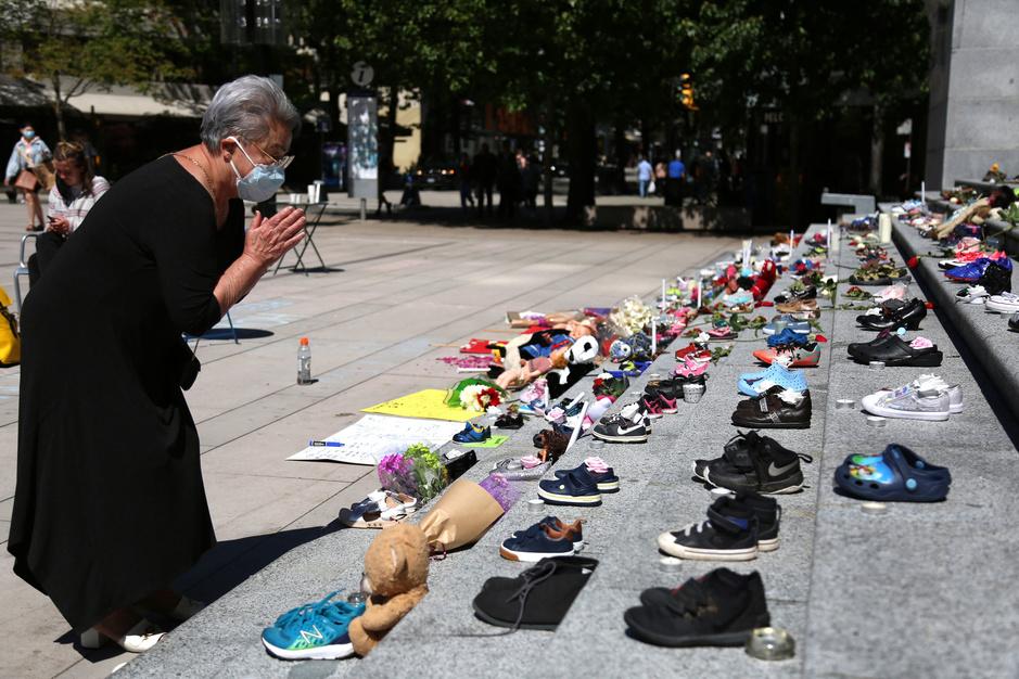 Canada: massagraf met 215 kinderen voegt hoofdstuk toe aan 'culturele genocide'
