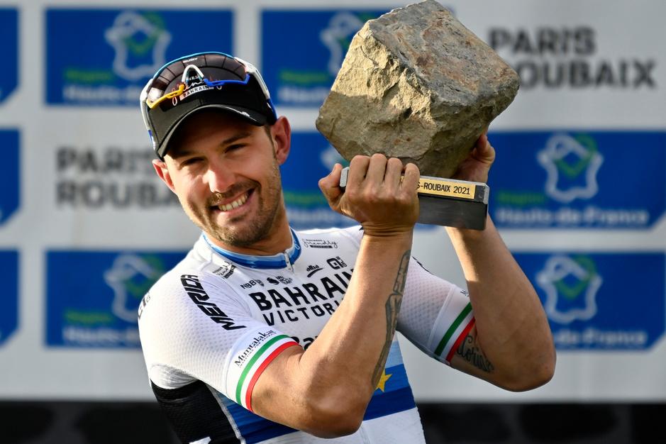 Wie is Sonny Colbrelli, de 'Vlaamse' Italiaan die Parijs-Roubaix won?