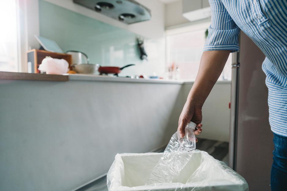 'Afval is alleen afval als je het verspilt': zo bouw je een huis met plastic flessen