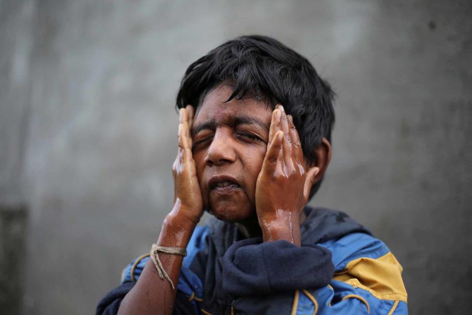 En Inde, des enfants doivent prendre le train pour aller chercher de l'eau (en images)