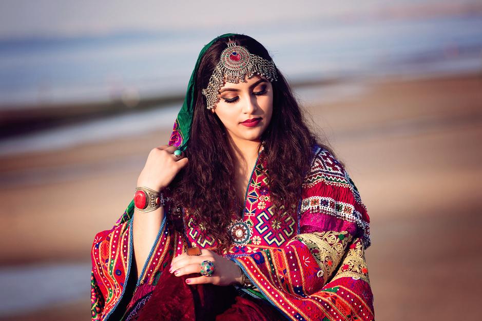 'Onze mode is zoveel méér dan de blauwe boerka': drie Afghanen over de invloed van de taliban op de modewereld