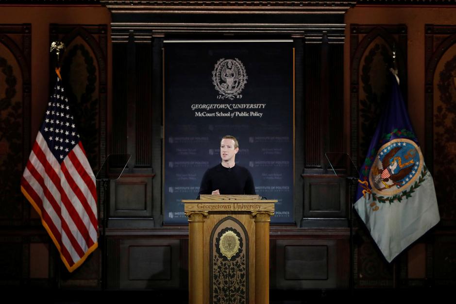 Zuckerberg verdedigt vrije meningsuiting om zijn bedrijf te onderscheiden van Chinese concurrenten
