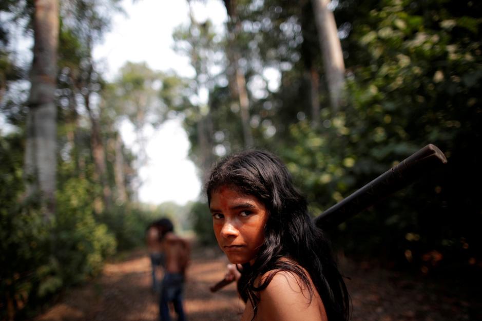 In beeld: Amazonestam trekt ten oorlog tegen ontbossing