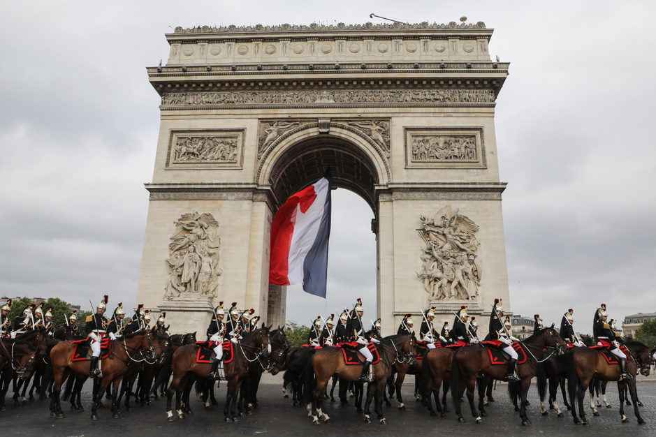 Macron préside un défilé du 14 juillet tourné vers l'Europe (en images)