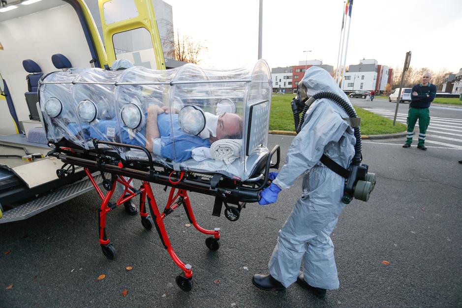 Factcheck: Nee, dezelfde persoon had niet ebola en covid-19