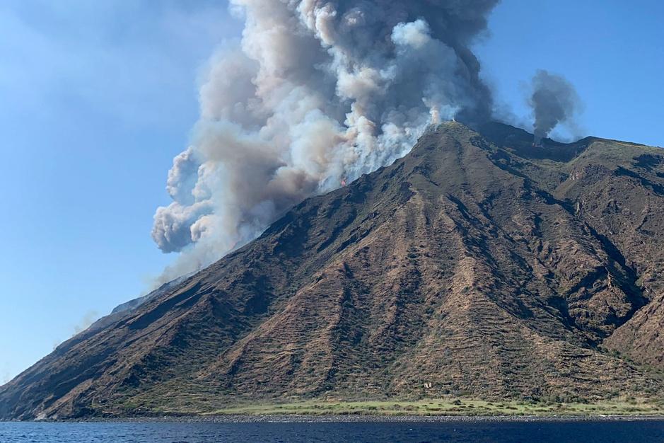 Violente éruption du volcan Stromboli (en images)