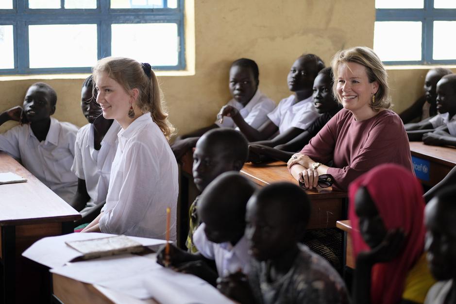"""La princesse Elisabeth et la reine Mathilde au Kenya: une visite """"émouvante mais riche en apprentissages"""""""