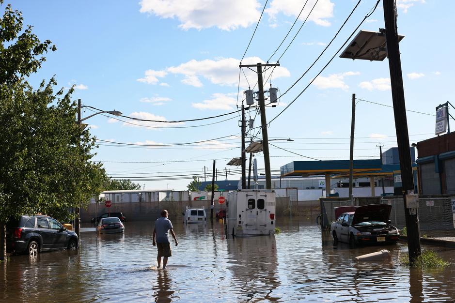 En images: New York et ses alentours sonnés après le passage de la tempête Ida