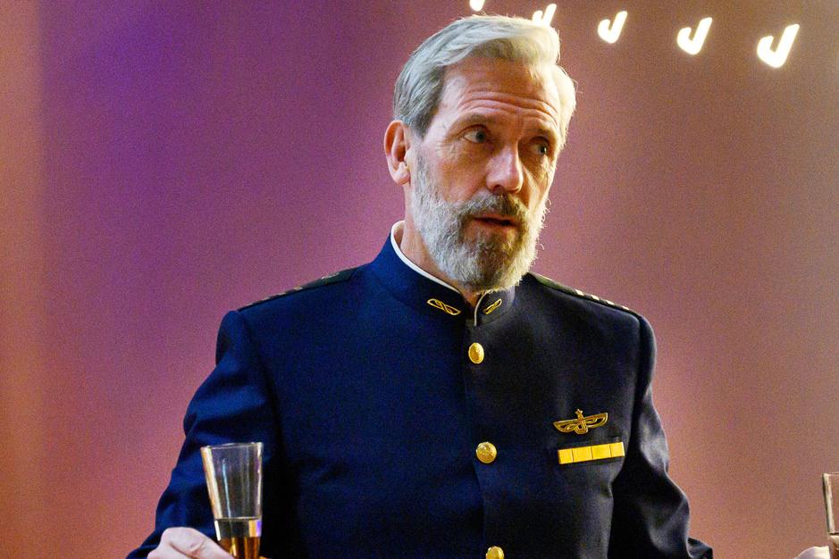 Hugh Laurie is terug: 'God, ik ben zo ongrappig! Ik ben de minst grappige persoon in de wereld'