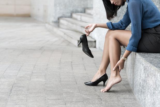 Japanse vrouwen viseren hoge hakken met #KuToo