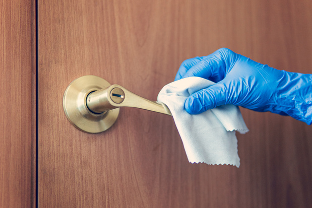 Covid-19 : les personnes présymptomatiques peuvent contaminer ce qu'elles touchent