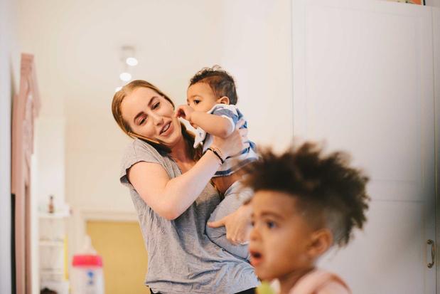 'Uitkering voor coronaverlof lager dan voor ouderschapsverlof voor Vlaamse ouders'