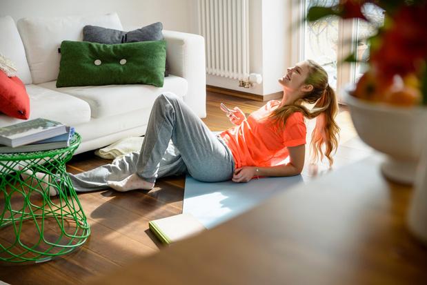 Woonkamer- work-out: met deze 10 oefeningen blijf je fit 'in je kot'
