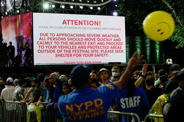 Grootschalig 'heropeningsconcert' in New York afgebroken wegens noodweer