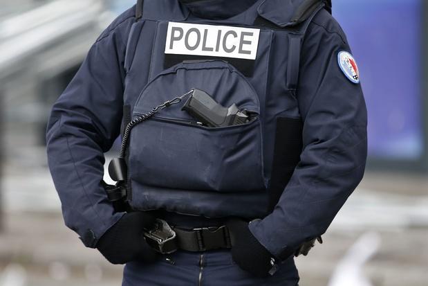 Politiekantoor in Parijs aangevallen met vuurwerkpijlen