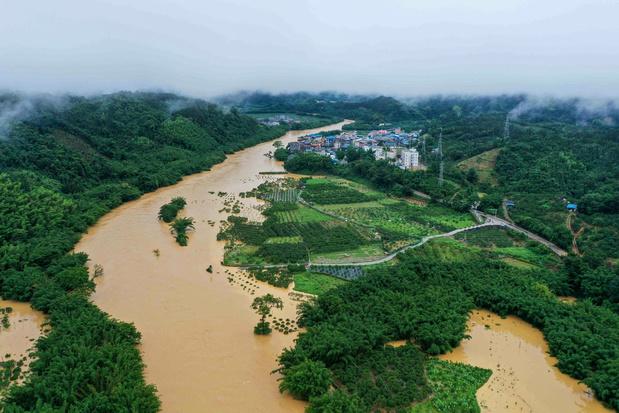 Overstromingen verstoren leven van meer 700.000 Chinezen
