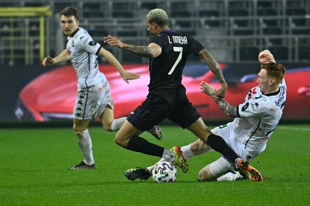 RSC Anderlecht voorbij Cercle Brugge naar halve finales