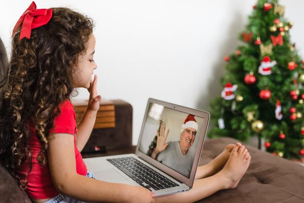 5 activités pour garder le contact avec ses petits-enfants à Noël